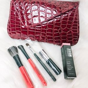 Holiday Brush Set w/ Red Clutch